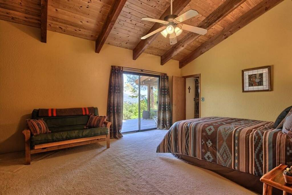 Manzanita Ridge Estate – BnB Yosemite
